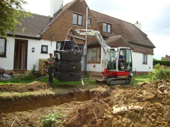 Old Polluting Septic Tank Replacement At A Small Cottage